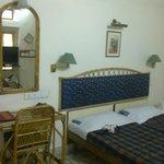 Hotel Arya Niwas: Bedroom