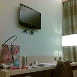 TV e scrivania