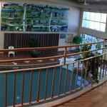 Ne prenez pas une chambre avec balcon sur la piscine intérieure, c'est bruyant