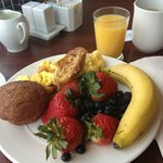 Very yummy breakfast with lots of healthy options as well.