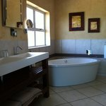 the bigh luxury bathroom
