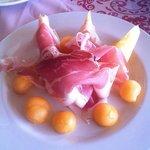 'Fior di prosciutto e perle di melone' Parma ham with melon (€9.50)