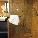 Shower (suite)