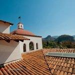 LAS BUGAMBILIAS - Vue de la terrasse sur la coline de l'Ascension