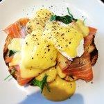 Eggs Benedict (w) Smoked salmon.