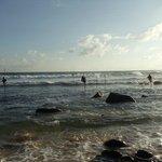 Это отлив, когда прилив то огромные волны