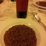 risotto all'amarone con calice Valpolicella Superiore
