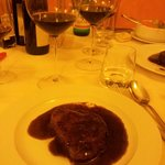 filetto all'amarone con calice Amarone