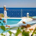 Emerald Classic Villa - Greek Colours