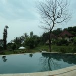 Bungalow side pool view..