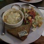 White Mac n Cheese and salad...yummy!