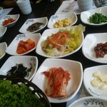 A generous variety of side dishes at Jang Shou