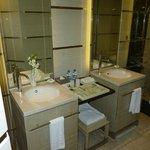 Salle de bains agréable