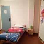 Une grande chambre famille avec des housses de couettes qui ont ravi les enfants.