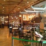 Starbucks Vietnam, New World, 76 Le Lai, Dist 1
