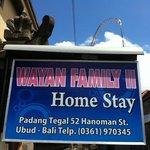 papan nama depan rumah