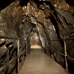 Lost River Caverns