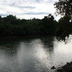 vista sul fiume kwai dal ristorante del resort