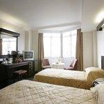 President Hotel twin room