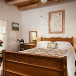The Wildflower Room is warm & inviting with 1 queen bed