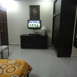 flat screen television,dvd,mini fridge and cable tv