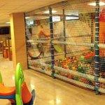 Nuestro castillo hinchable y parque de bolas