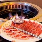 echter Holzkohlegrill / we use real charcoal #koreanbbq #charcoal #Holzkohle #koreanrestaurant