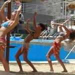 танцы живота на пляже