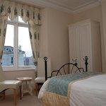 Bedroom 1 (Ty Gwyn)