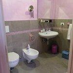 bagno camera lilla