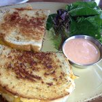 Grilled cheese with prosciutto & salad