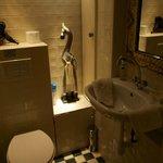 Il bagno della camera nel seminterrato