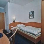 Unsere Einzelzimmer mit WLAN,TV,Dusche und WC.