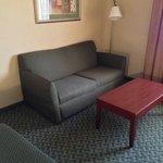 sitting area (204)