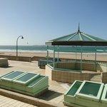 vue de la plage, à partir de la terrasse du site hotelier