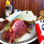 hot corned beef sandwhich