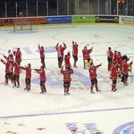 Panthers saluting the crowd after winning the cup in 2013