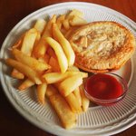 Tandoori Chicken pie with steakhouse chips