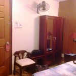 room w/ aircon & ceiling fan