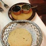 starters - mint & tamarind chutney with papadams