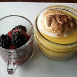 try the dessert! (lemon Curd thingy)