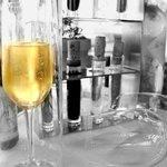 Encaptualted Champagne keeps the bubbles in longer
