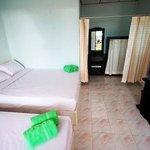 Phrueksa Beach Resort Photo