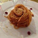 spaghetto slsiccia e pomodoro