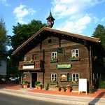 Steakhaus Schusterhäusl mit Gastgarten in Flachau