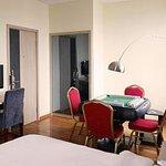 Jiukun Hotel