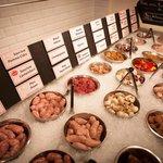buffet des viandes de boucher locaux ...
