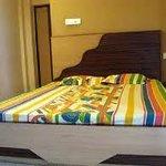 Deepak Hotel