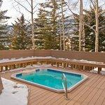 Cedar - Hot Tub