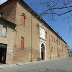Palazzo Schifanoia - facciata